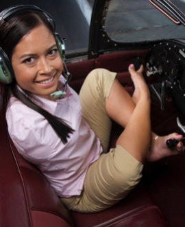Jessica Cox in airplane